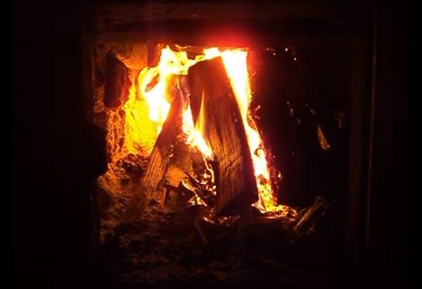 Пламя в печке