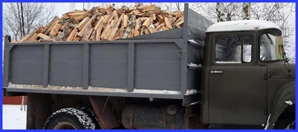 Перевозка колотых дров грузовым авто