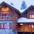 Зимний дом в лесу