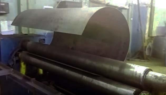 Формування корпусу бака-акумулятора на вальцях