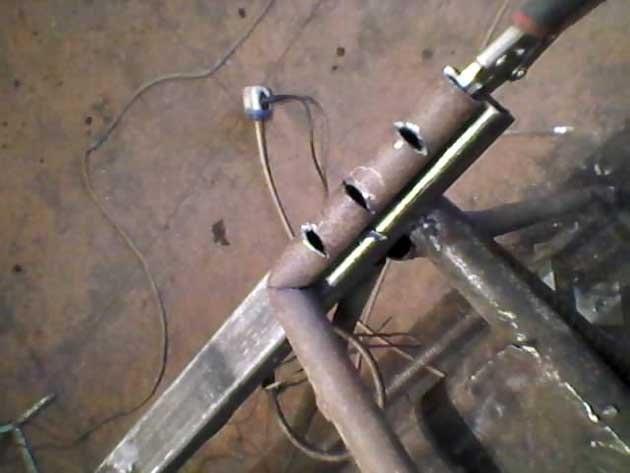 Труба для подачі вторинного повітря в піч