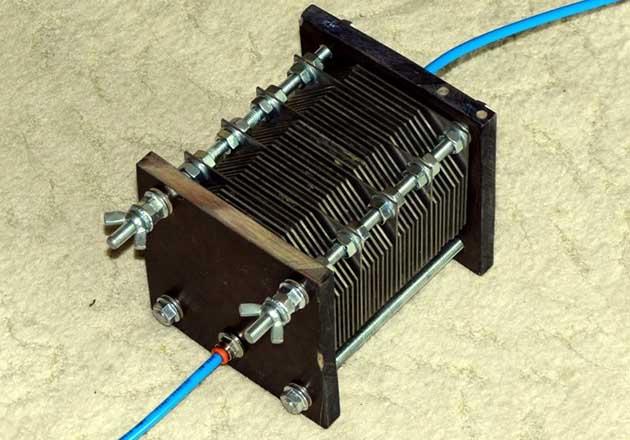 Блок реактора з нержавіючих пластин