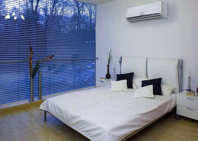 Расположение сплит-системы в спальне