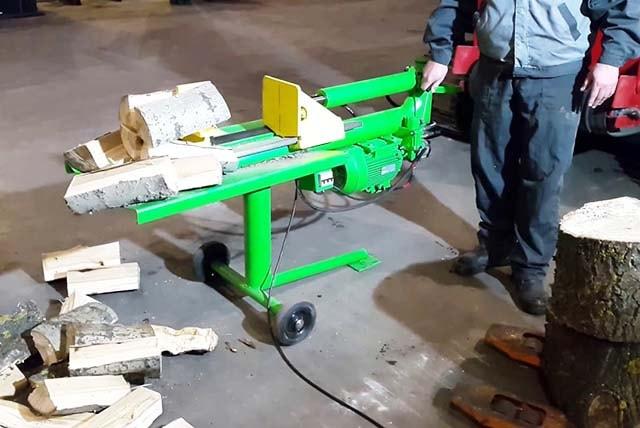 Механизированная рубка дров