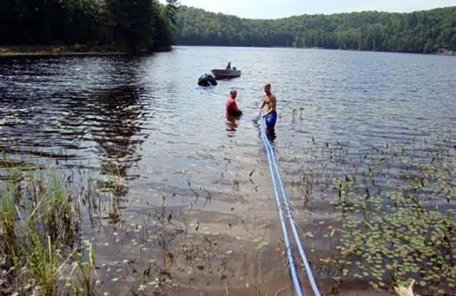 Прокладка труб до озера
