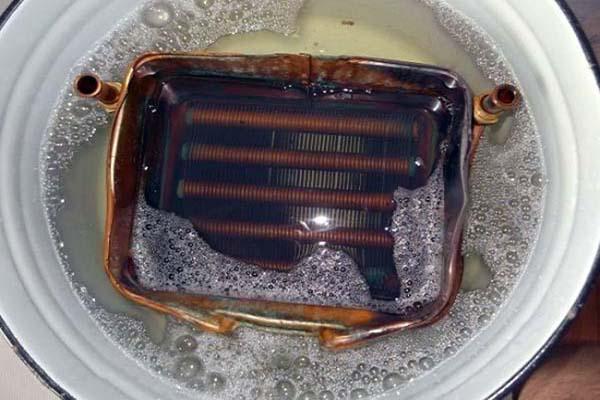 Как удалить накипь из теплообменника водонагревателя